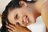 Không cần tốn tiền phục hồi tóc, chỉ cần từ bỏ 6 thói quen thường gặp này