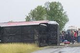 Mỹ: Tạn nạn xe buýt kinh hoàng, hàng chục người thương vong