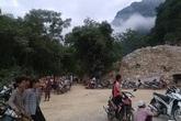 Hàng trăm mét khối đá đổ xuống, 2 người thương vong