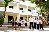 Rơi nước mắt với món quà 20/11 của học sinh ở đảo