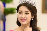 Hoa hậu Đỗ Mỹ Linh toả ra ánh sáng trí tuệ, làm rạng rỡ và xuất thần nhan sắc bên ngoài
