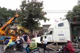 Hải  Phòng: Lái xe container ngủ gật, đâm nát 4 nhà dân