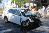 """""""Xế hộp"""" Toyota Altis nát bét sau cú tông mạnh với xe du lịch"""