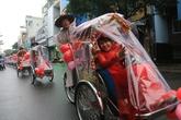 5 cặp đôi công nhân hạnh phúc trong lễ cưới tập thể