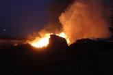 Gần 20 xe cứu hỏa dập tắt đám cháy lớn ở Sài Gòn
