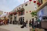 Giới trẻ Hạ Long ùn ùn kéo đến Little Việt Nam trong dịp nghỉ Lễ