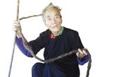 Kì nhân người Mông hơn 70 không cắt tóc vì sợ ốm