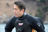 Lặn tìm thi thể nạn nhân sóng thần Nhật Bản: Cuộc du hành vào thế giới người chết