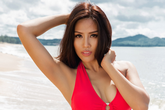 Nguyễn Thị Loan hoàn toàn khác lạ với bikini nóng bỏng