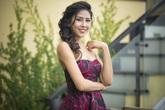 Nguyễn Thị Loan khoe ngực đầy trước khi lên đường thi Hoa hậu