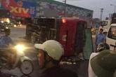 Xe khách va chạm với xe tải, hơn 20 người nhập viện