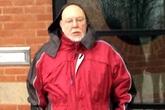 Bé gái 11 tuổi dùng máy ghi âm tố cáo hành vi quấy rối của cụ ông 71 tuổi vì cha mẹ không tin
