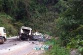 Nổ xe khách ở Lào, 8 người Việt tử vong