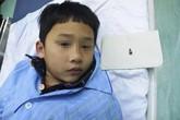 Bé trai 7 tuổi nuốt đầu bút bi, mắc kẹt trong phế quản