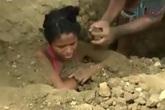 Thiếu nữ bị chôn sống 3 ngày để chữa sét đánh