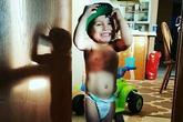 Bé 2 tuổi bị mẹ và bà ngoại đánh chết trong lúc dạy đi vệ sinh