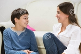 Bà mẹ gây 'bão' khi hỏi có nên chuẩn bị bao cao su cho con trai 15 tuổi
