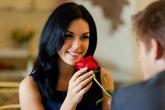 9 cử chỉ của đàn ông khiến phụ nữ nào cũng tan chảy