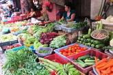 Chưa đến Tết mà thực phẩm đã ùn ùn tăng giá đến chóng mặt