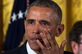 Ông Obama bật khóc nói lời chia tay nhân viên