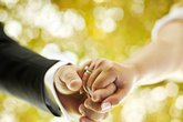 """Mới cưới, """"thiếu gia"""" đã nhận quả lừa cay đắng"""