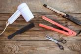 2 cách vệ sinh dụng cụ làm tóc nhanh và cực sạch chị em nào cũng nên biết