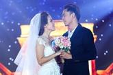 Văn Anh diễn lại cảnh cầu hôn Tú Vi