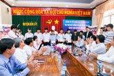 Trao học bổng cho 30 học sinh nghèo hiếu học
