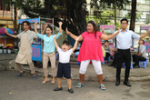 """Boom Boom Pow - trào lưu """"mới toanh""""của các bà nội trợ Việt"""