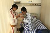 Thiếu nữ rao bán trinh tiết để cứu anh trai bị ung thư