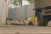 Cặp đôi 18 tuổi tự sinh con ở nhà rồi thẳng tay vứt vào thùng rác khiến dư luận phẫn nộ