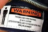 """Những chi tiết cực hài hước trên nhãn mác quần áo, đọc xong cười """"vỡ bụng"""""""