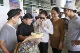 Chồng bí mật làm sinh nhật cho Ngọc Lan ngay tại sân bay