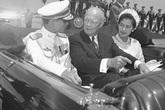 Quốc vương Thái Lan bị vợ tương lai ghét trong lần gặp đầu tiên