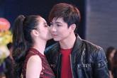 Vợ chồng Trương Quỳnh Anh không ngừng âu yếm nhau