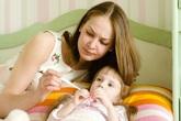Trẻ phải nhập viện nhiều lần do bệnh hô hấp giao mùa