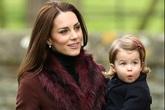 Hai con của William - Kate đáng yêu trong lễ Giáng sinh