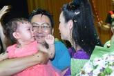 Trịnh Kim Chi nghẹn ngào khi chồng và 2 con mừng sinh nhật