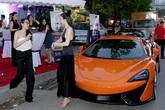 Ngọc Thạch đi event bằng siêu xe 6 tỷ của chồng