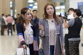 Á hậu Hàn Quốc đón Chi Pu ở sân bay