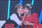 Việt Hương bỏ giày, bất chấp quyến rũ trai đẹp Bước nhảy ngàn cân