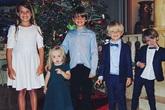 Các con Donald Trump tưng bừng khoe ảnh Giáng sinh