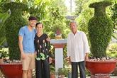 Cuộc sống bình dị ở nhà vườn rộng lớn của Quý Bình
