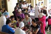 Cấp phát thuốc miễn phí cho người dân và bệnh viện đảo Bạch Long Vỹ