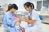 Cứu sống bé gái sinh non 27 tuần tuổi, chỉ nặng 1kg