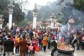 Hàng vạn người du xuân về Tây Thiên – Thiền Viện ngày đầu năm