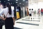 """Hà Nội: Nhiều người hoảng loạn trong thang máy """"rơi"""" tự do"""