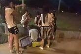 Cô gái thoát chết sau khi bị cưỡng hiếp, nhét vào vali