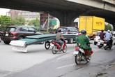 """Thủ tướng """"nhắc"""" TP Hà Nội sau 2 vụ xe chở tôn cứa cổ chết người"""