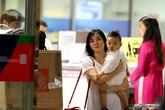 Vy Oanh lần đầu đưa con trai về Việt Nam